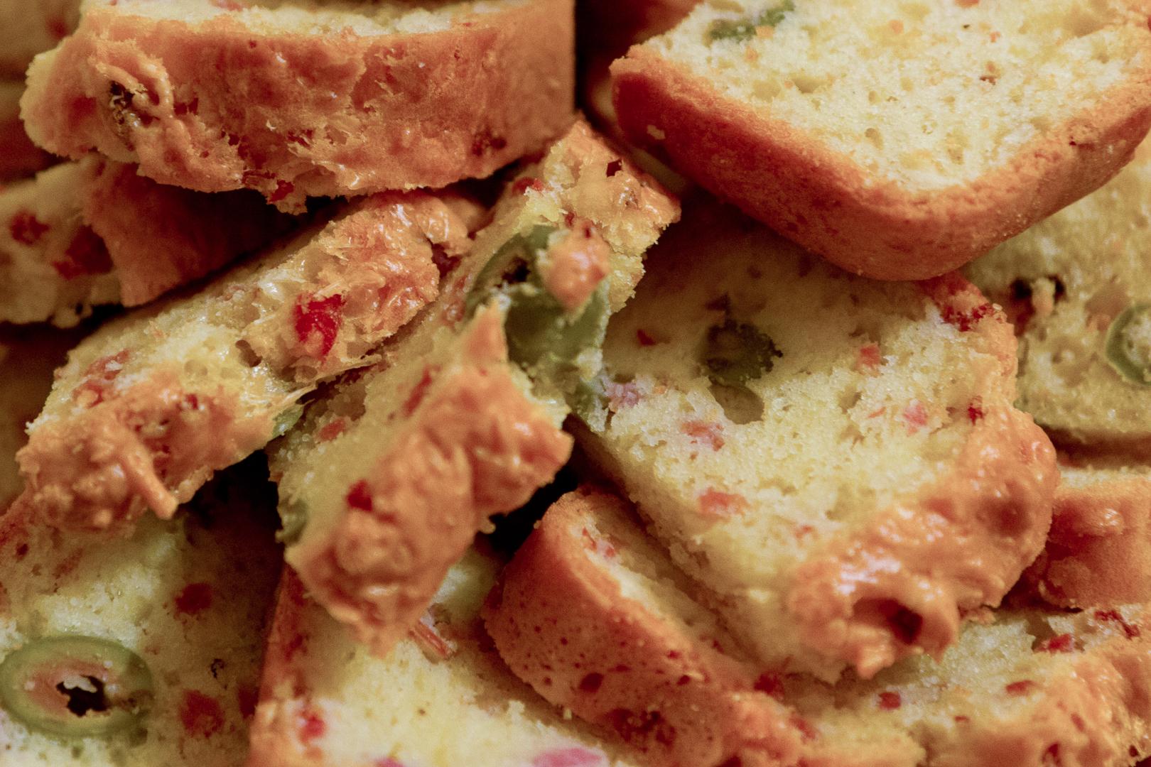 Cake Chevre Olives Bacon