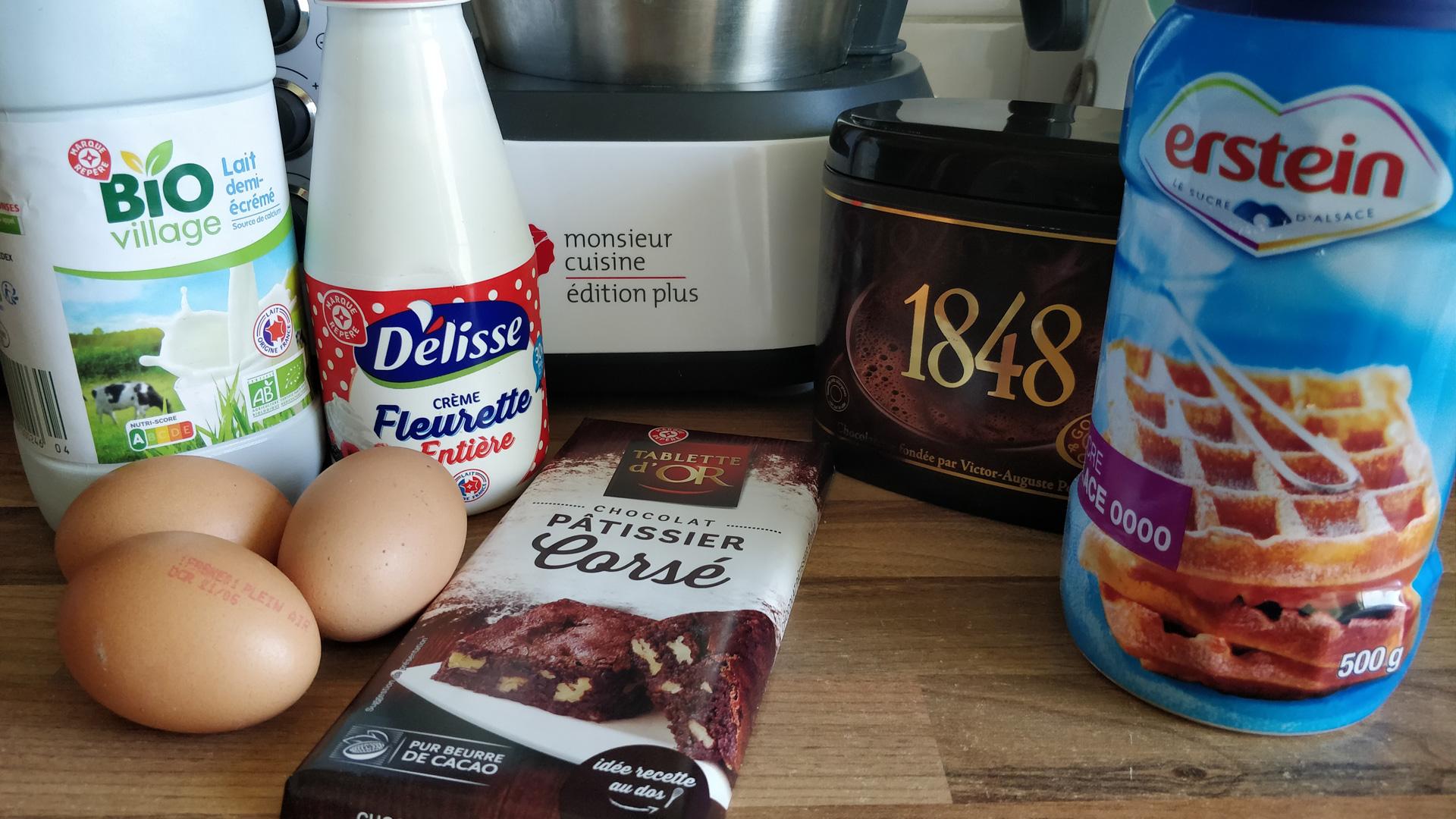 Ingrédients pour la glace au chocolat avec Monsieur Cuisine Edition Plus